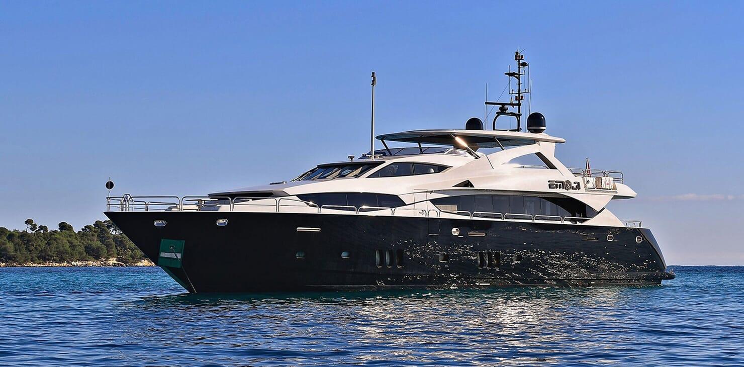 Motor Yacht EMOJI Profile