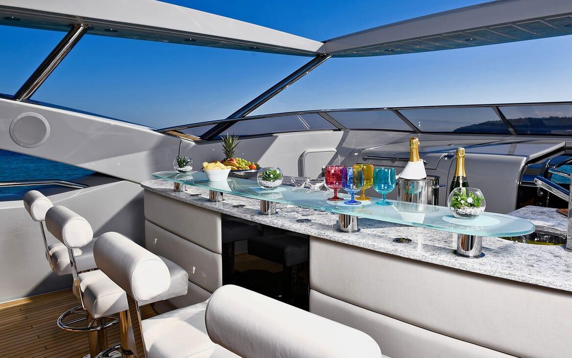 Motor Yacht EMOJI Sun Deck Bar