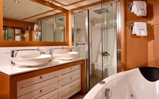 Motor Yacht EMOJI Master Bathroom