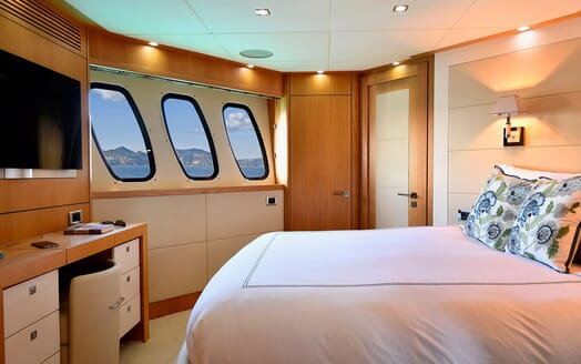 Motor Yacht EMOJI Guest Double Stateroom