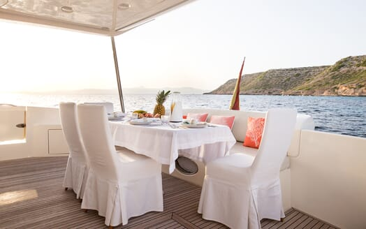 Motor Yacht Jomara outdoor dining area