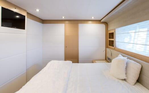 Motor Yacht Igele guest cabin