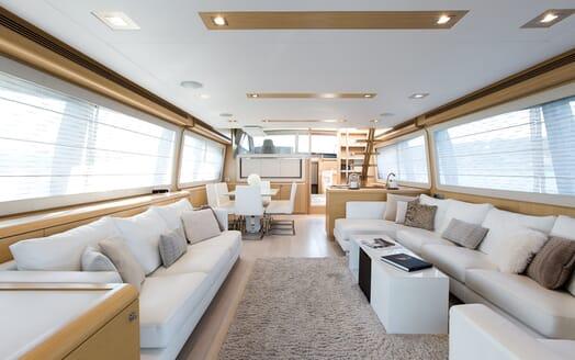 Motor Yacht Igele living area