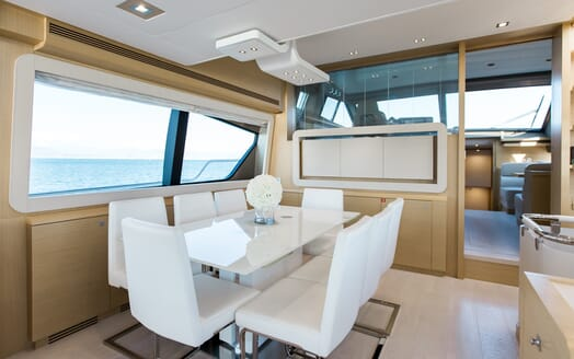 Motor Yacht Igele dining area