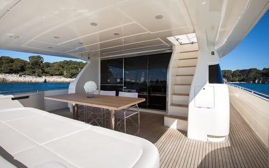 Motor Yacht Igele aft deck