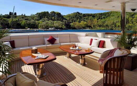 Motor Yacht ANNA I Aft Deck Seating