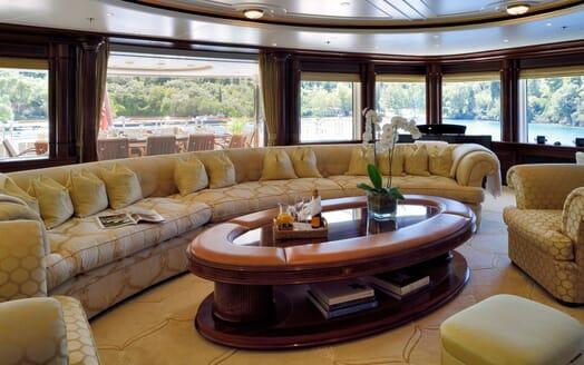 Motor Yacht ANNA I Saloon