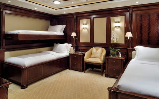 Motor Yacht ANNA I Twin Guest Stateroom wit Pullman