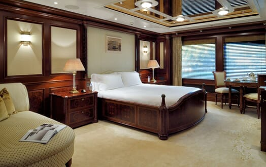 Motor Yacht ANNA I VIP Stateroom