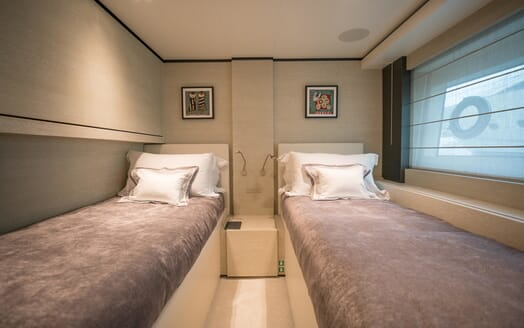 Motor Yacht December Six twin cabin