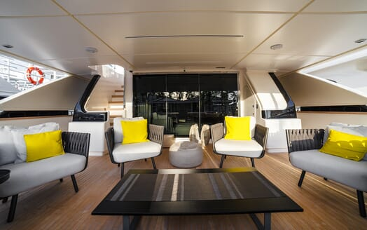 Motor Yacht December Six main deck