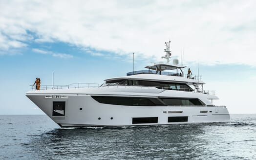 Motor Yacht December Six underway