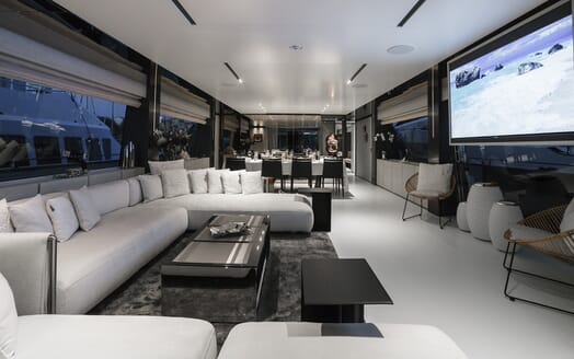 Motor Yacht December Six living area