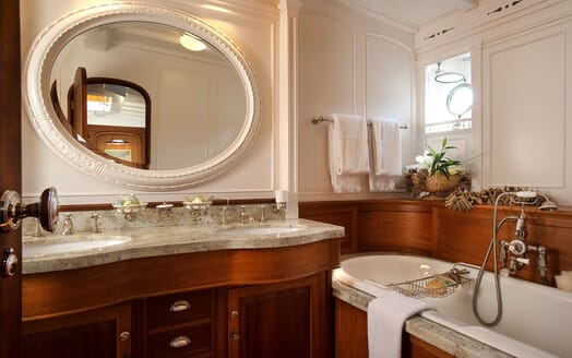 Sailing Yacht Atlantic master bathroom