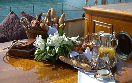 Sailing Yacht Atlantic al fresco dining