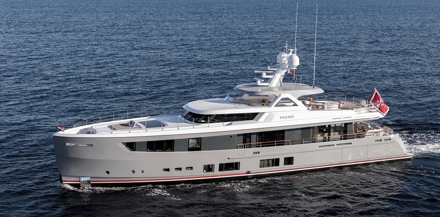 Motor Yacht MANA Profile underway