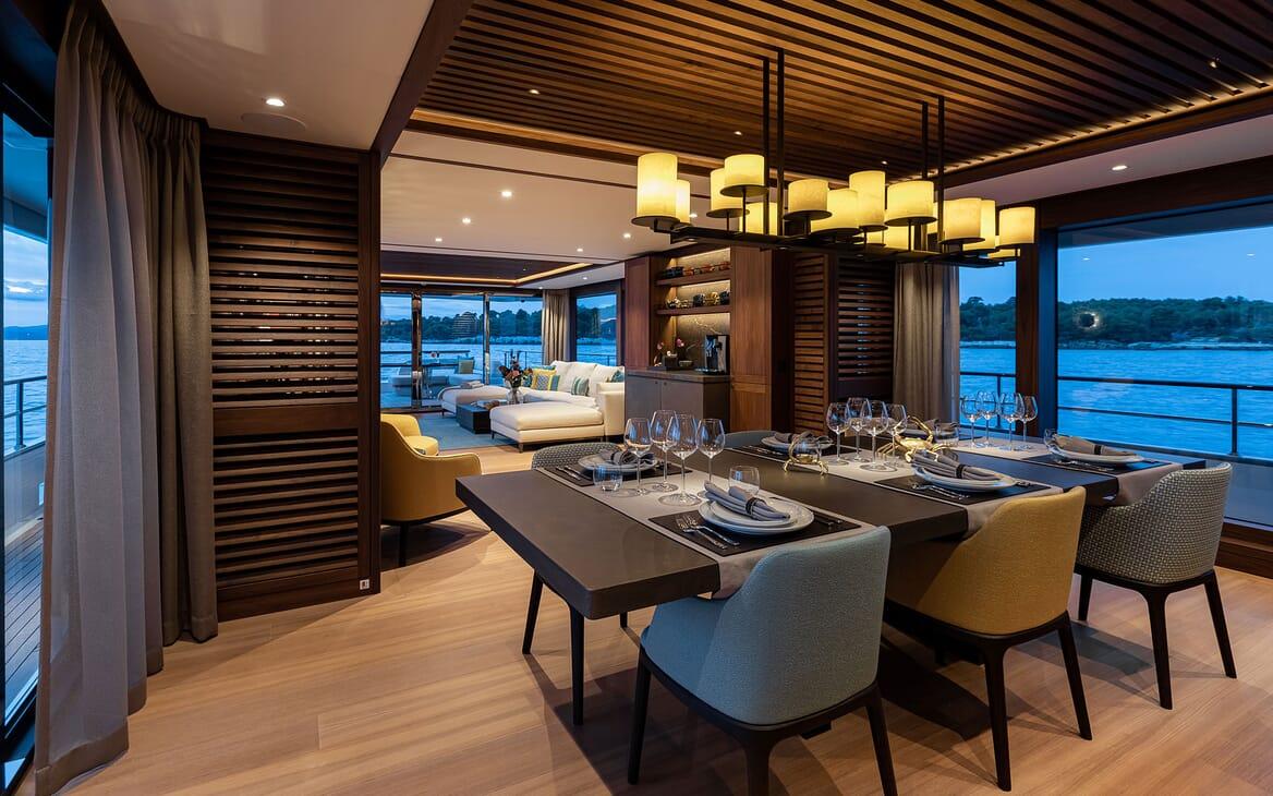 Motor Yacht MANA Main Deck Dining Table