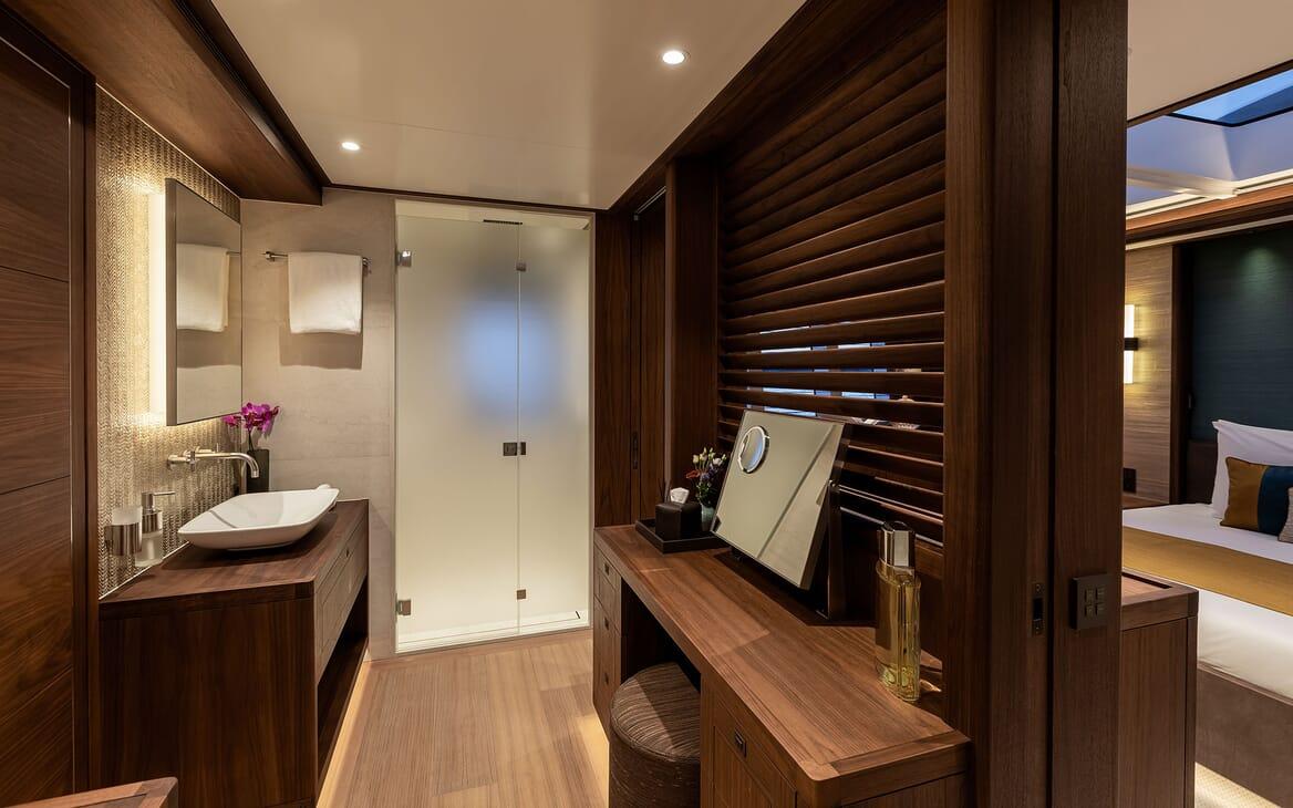 Motor Yacht MANA Stateroom Dressing Table