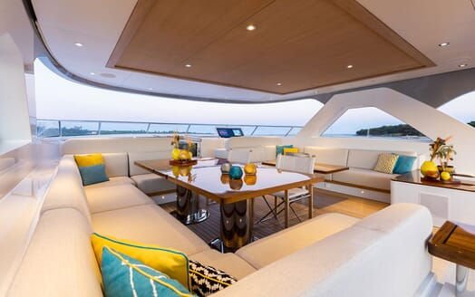 Motor Yacht MANA Sun Deck Seating