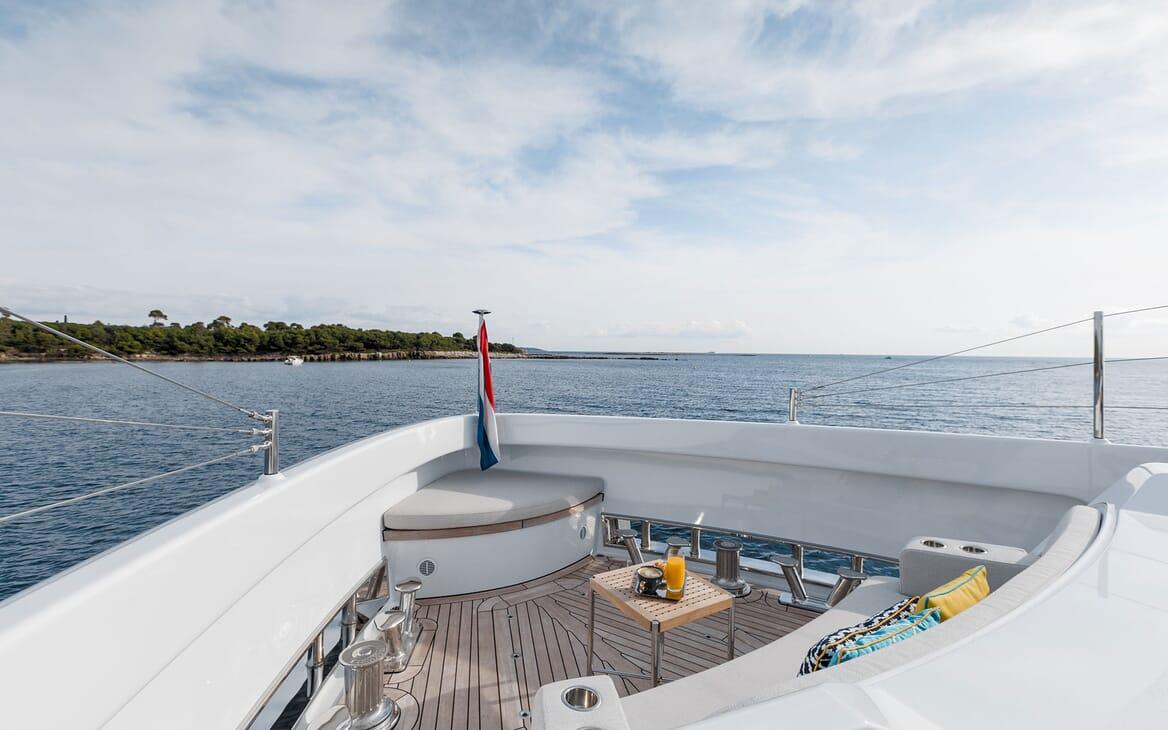 Motor Yacht MANA Bow Seating