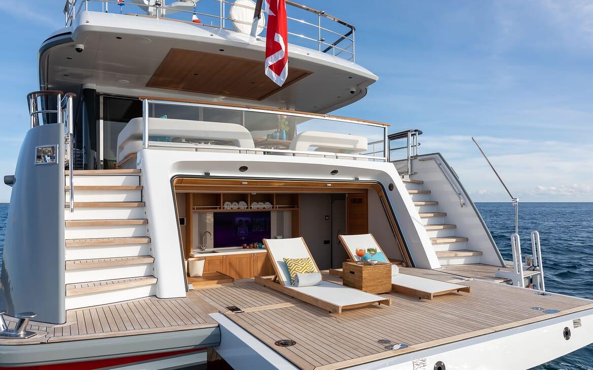 Motor Yacht MANA Beach Club Sun Loungers