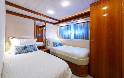 Motor Yacht Dee Dee Lee twin cabin