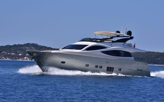 Motor Yacht JUST MINE Underway