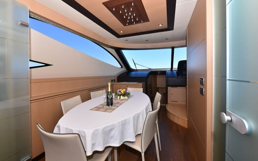 Motor Yacht JUST MINE Dining Table