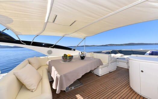 Motor Yacht JUST MINE Sundeck Dining Table