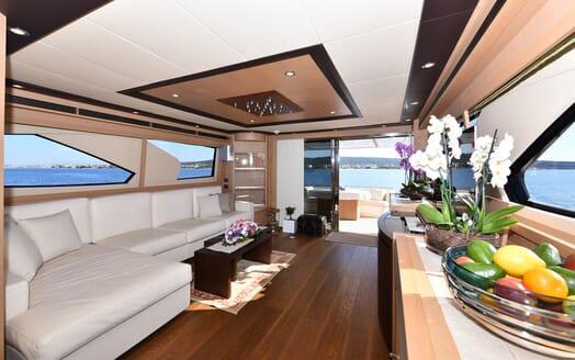 Motor Yacht JUST MINE Main Saloon