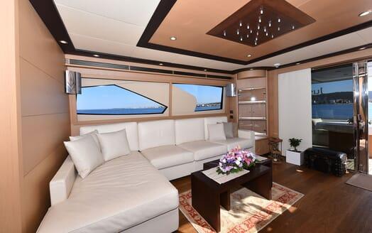 Motor Yacht JUST MINE Main Saloon Seating
