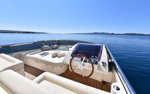 Motor Yacht JUST MINE Sundeck Wheelhouse