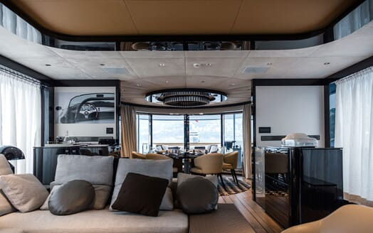 Motor Yacht 1OF7 living area