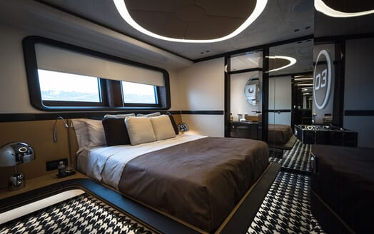 Motor Yacht 1OF7 guest cabin