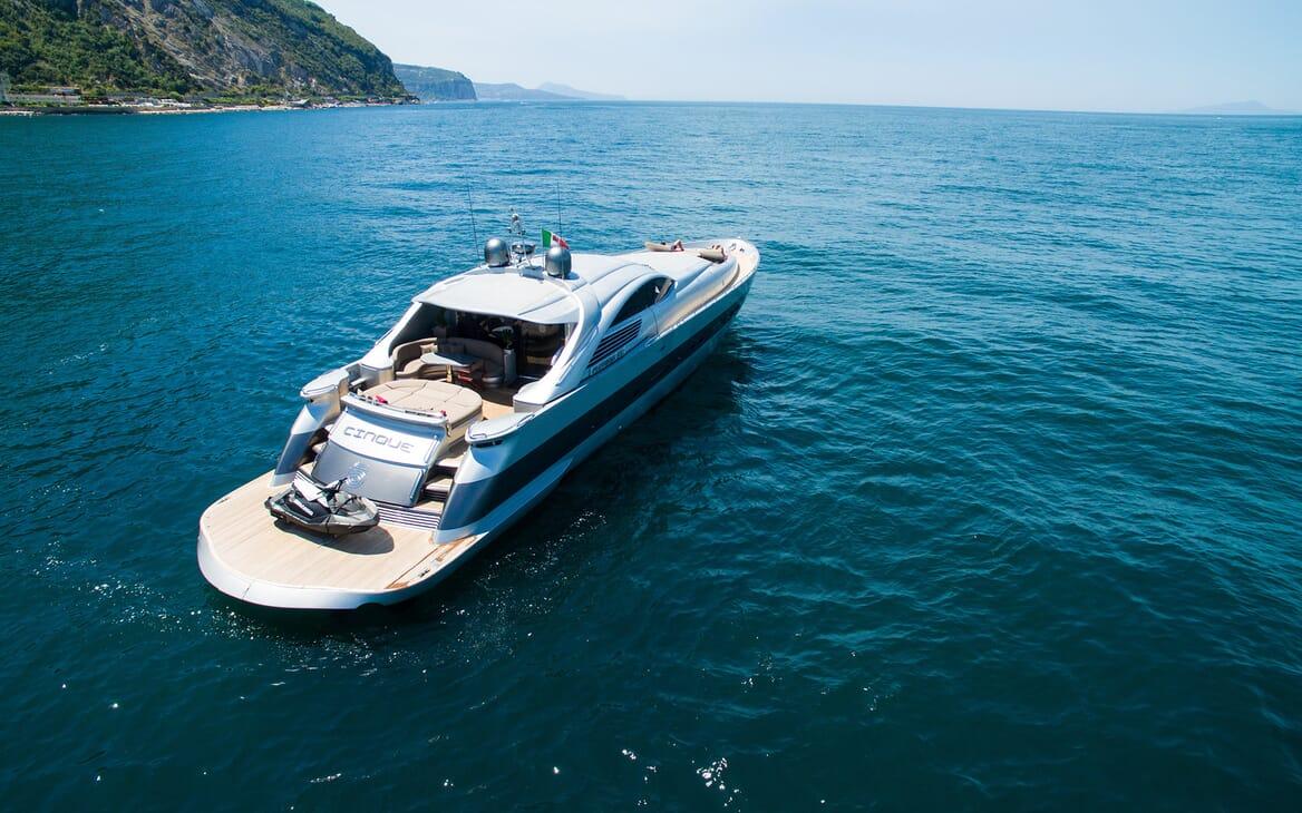 Motor Yacht Cinque aerial