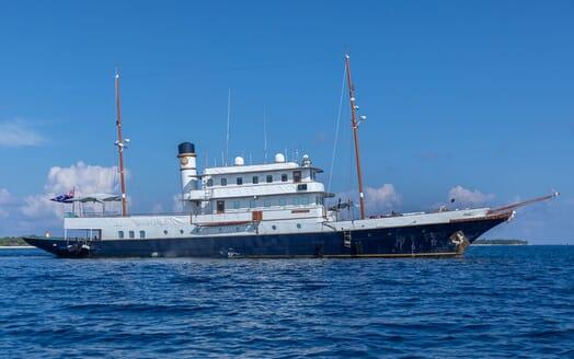 Motor Yacht KALIZMA Profile
