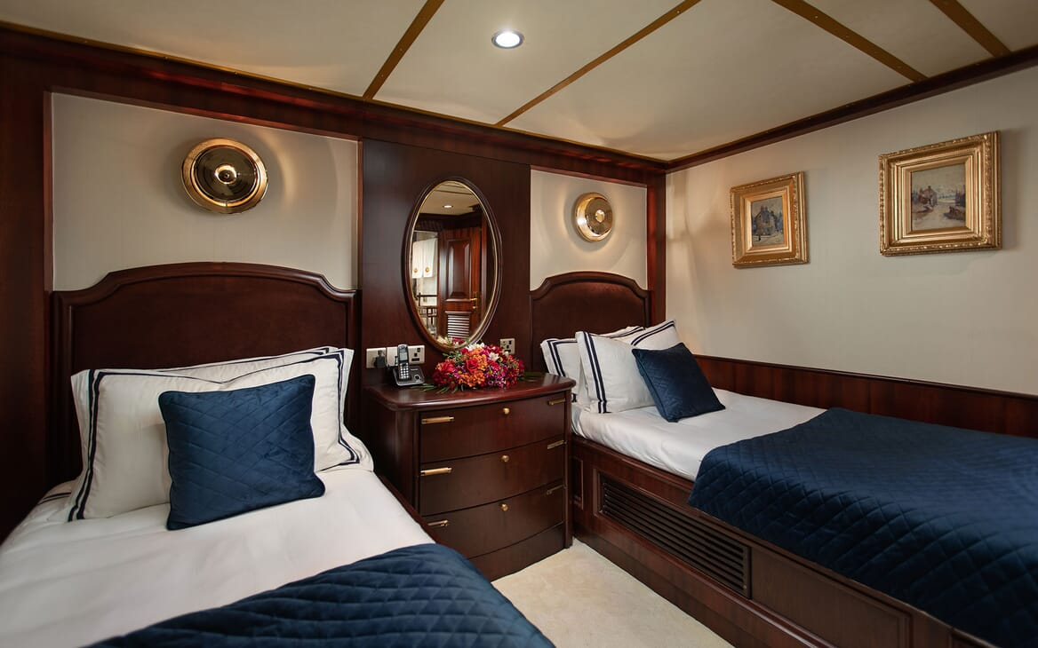 Motor Yacht KALIZMA Guest Twin Stateroom