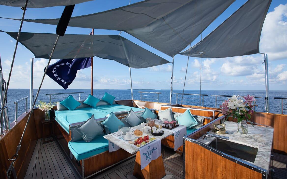 Motor Yacht KALIZMA Sun Deck Sun Pad