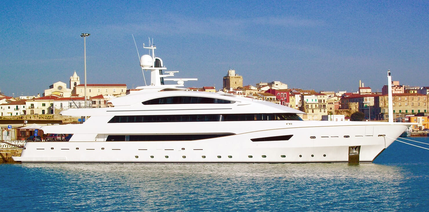 Motor yacht BEATRIX hero shot on water