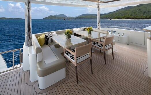 Motor Yacht Sugaray outdoor dining area