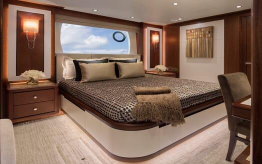 Motor Yacht Sugaray master cabin