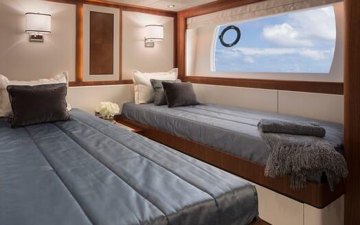 Motor Yacht Sugaray twin cabin