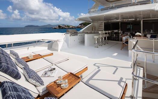 Motor Yacht Sugaray sundeck