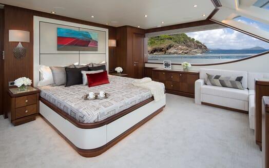 Motor Yacht Sugaray master stateroom
