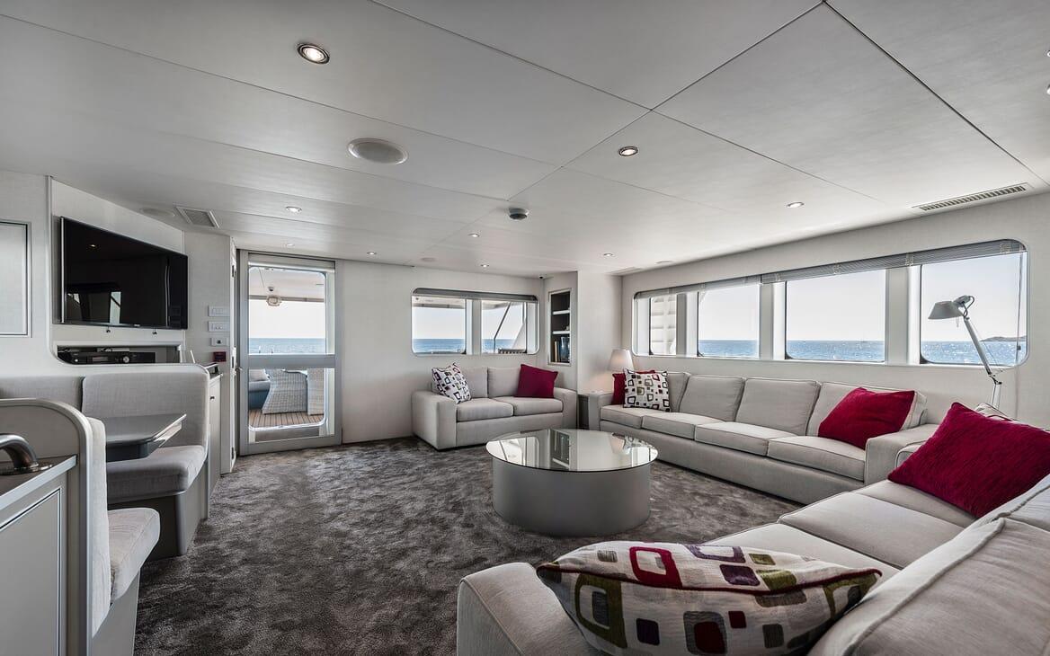 Motor Yacht OUR WAY Main Salon