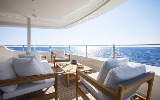 Motor Yacht MOKA Aft Seating