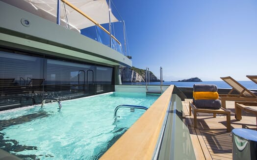 Motor Yacht MOKA Swimming Pool