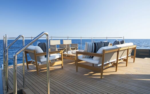 Motor Yacht MOKA Deck Seating