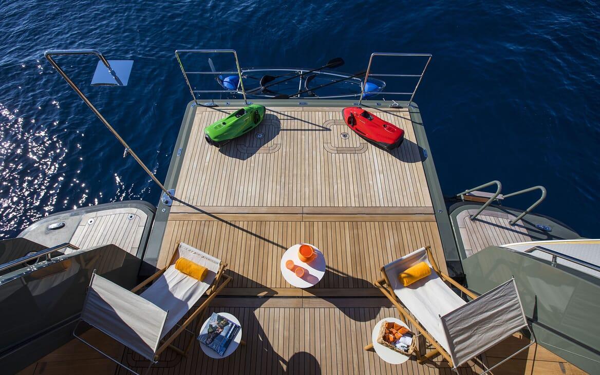 Motor Yacht MOKA Swim Platform Toys