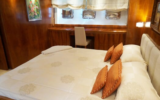 Motor Yacht Illa VIP cabin